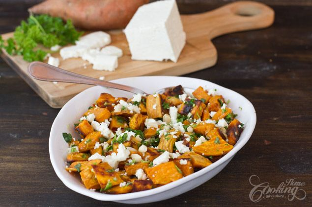 Easy summer salad made with roasted sweet potatoes. A combination of sweet, salty, crunchy salad that can be served as it is as a light meal or as a side dish.