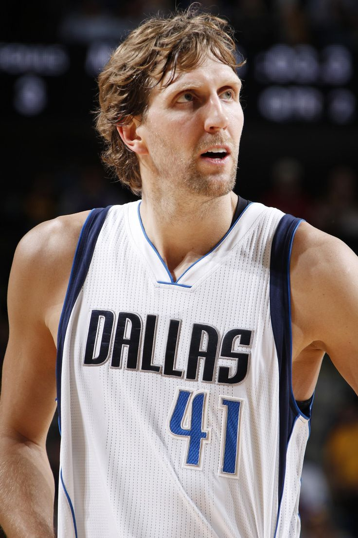 DALLAS, TX - JANUARY 22: Dirk Nowitzki #41 of the Dallas Mavericks reacts to a play against the Los Angeles Lakers on January 22, 2017 at the American Airlines Center in Dallas, Texas. (Photo by Glenn James/NBAE via Getty Images)