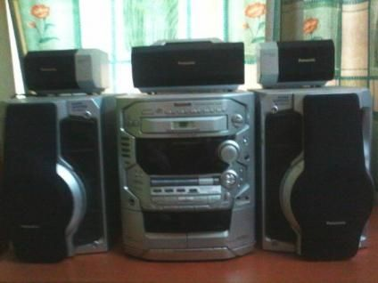Panasonic HiFi music system with USB drive