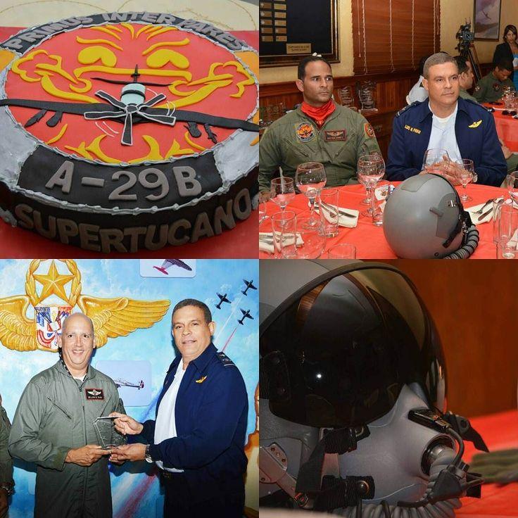 Con la presencia del Mayor General Piloto Luis N. Payán Díaz Comandante General de la Fuerza Aérea de República Dominicana el Escuadrón de Combate celebró la conmemoración del 54 aniversario de la creación de esta unidad aérea del Comando Aéreo de la FARD.  Durante el desarrollo de la actividad fueron entregadas placas de reconocimiento a veteranos pilotos del escuadrón y certificados de Capitán de Nave de avión Supertucano entre otros.  El Mayor General Payán Díaz compartió con los…