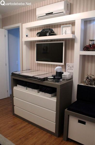 cômoda branca, cinza e azul marinho planejado para quarto de bebê