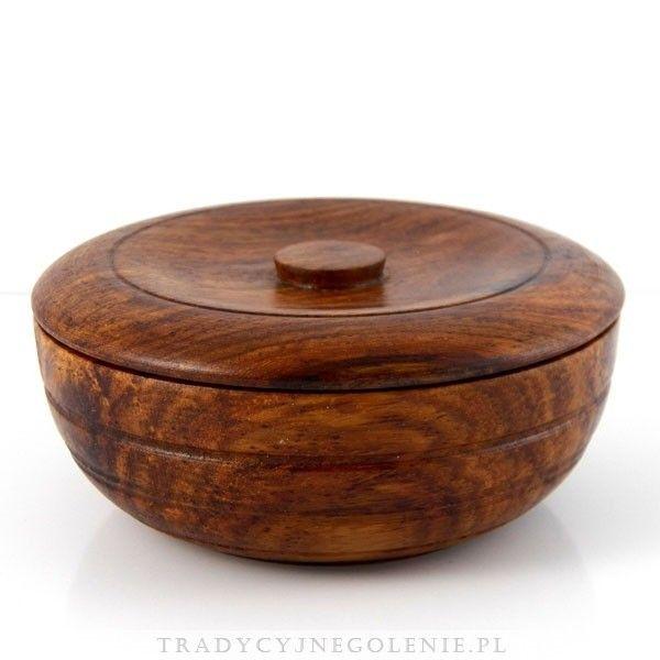 Luksusowe mydło do golenia dyskretnie perfumowane wyciągiem z drzewa sandałowego, wytworzone przez manufakturę Taylor of Old Bond Street. Mydło w drewnianym ręcznie robionym tygielku.Znakomicie zmiękcza zarost i zapewnia bardzo gładkie golenie. Urzeka wyjątkowo eleganckim i subtelnym zapachem drzewa sandałowego.
