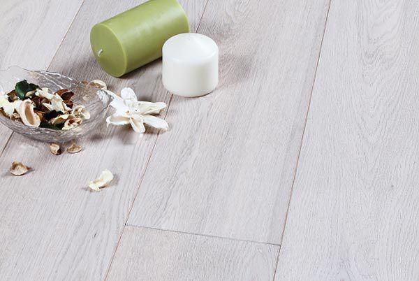 Assiti di Rovere extra white.  #Pavimenti in #parquet #rovere #flooring #legno #naturalwood #floor #extra #white #speciale #wood