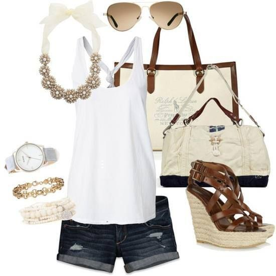 Look ideal para el calor primaveral. #White #Beige #LookPrimavera