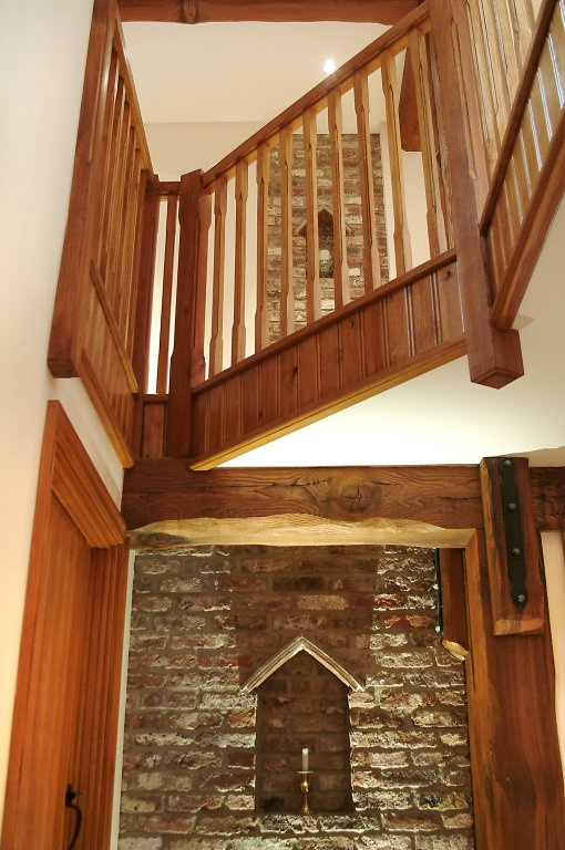 Internal_wall_feature_-_Hallway_-_Landing_-_Banister.jpg (510×768)