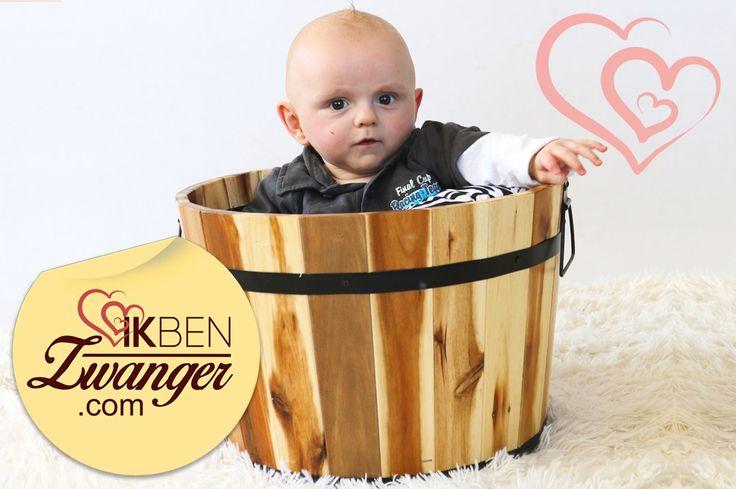 Zo lief! Van zo'n kleine gerimpelde couveuse baby naar nu een stoere bink van 8 maanden oud! tip: #fotoshoot #baby