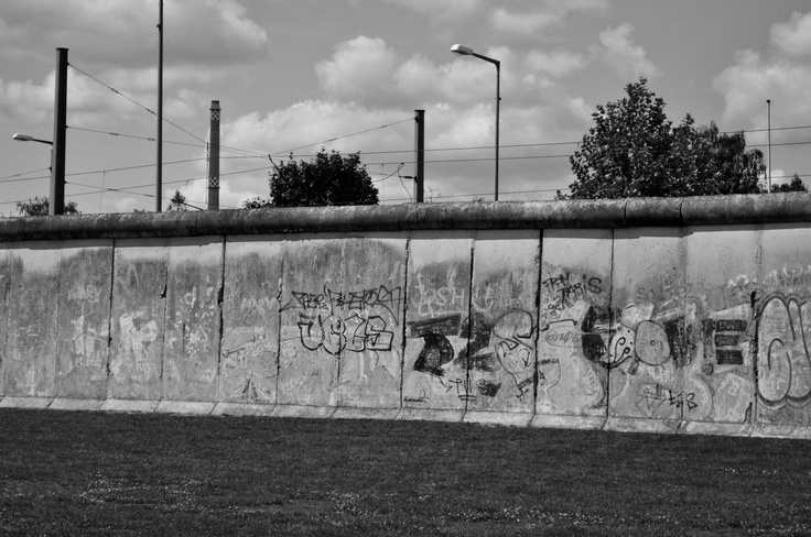 a wall to rule them all #berlin #Mauerpark #thewall