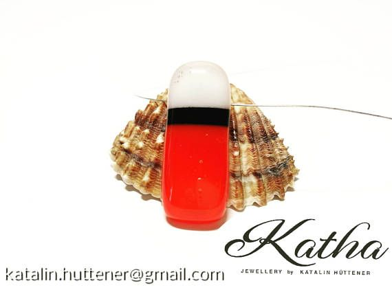 Love this combination of red, white and black! ♥ https://www.etsy.com/listing/525332737/tricolor-red-black-white-pendant-fused