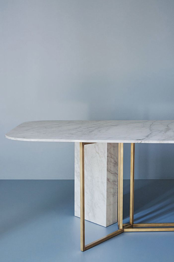 Contemporary dining table by Meridiani Editions white marble