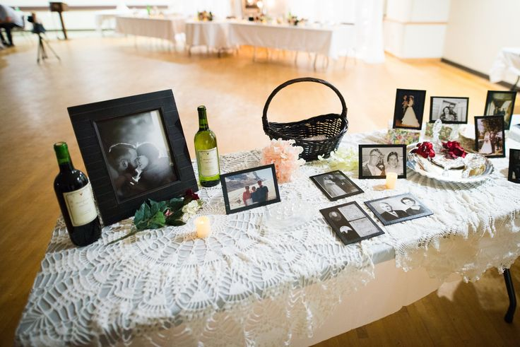 Card table with family wedding photos #family #lovethroughtheages