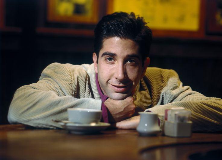 Дэвид Швиммер. Фотосессия в кафе (фотограф Michael Grecco, 1995)