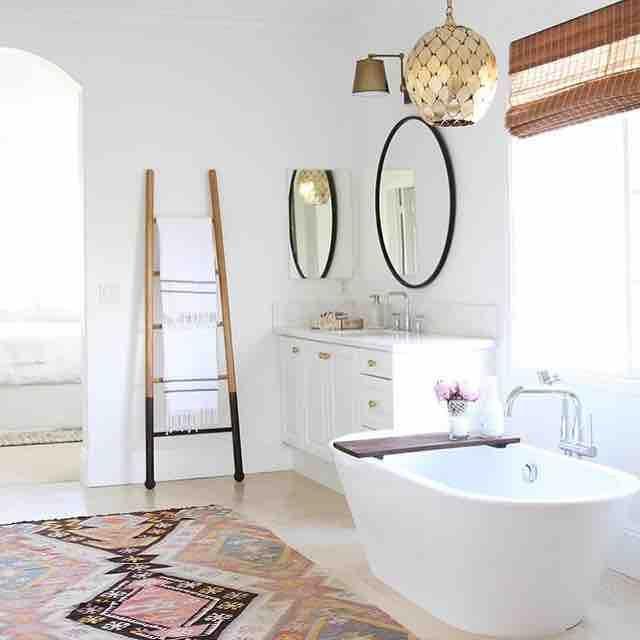 Les 861 meilleures images du tableau salle de bain for Baignoire lumineuse