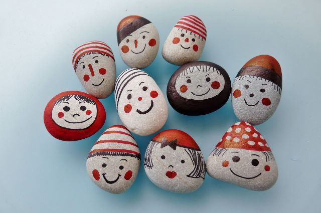 """collection """"funny faces"""" ... pebbles by Sabine Ostermann"""