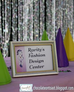 """My Little Pony Party Game : decorate """"unicorn horn"""" (party hat) and own beaded necklace at Rarity's Fashion Design Center."""