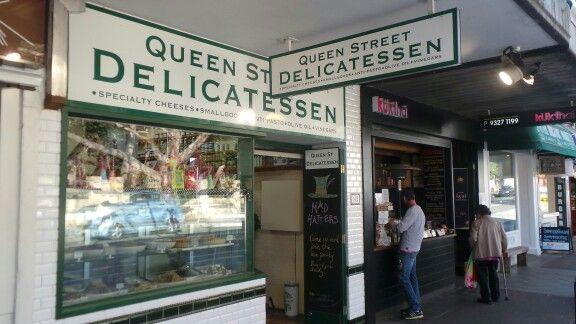 Queen St