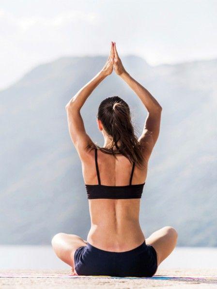 Den Geist ausschalten, den ganzen Ballast loswerden, endlich mal richtig abschalten... Was uns oft so schwer fällt, geht ganz einfach mit unseren besten Pilates-Übungen zum Entspannen! #palmolivestimmungsmacher