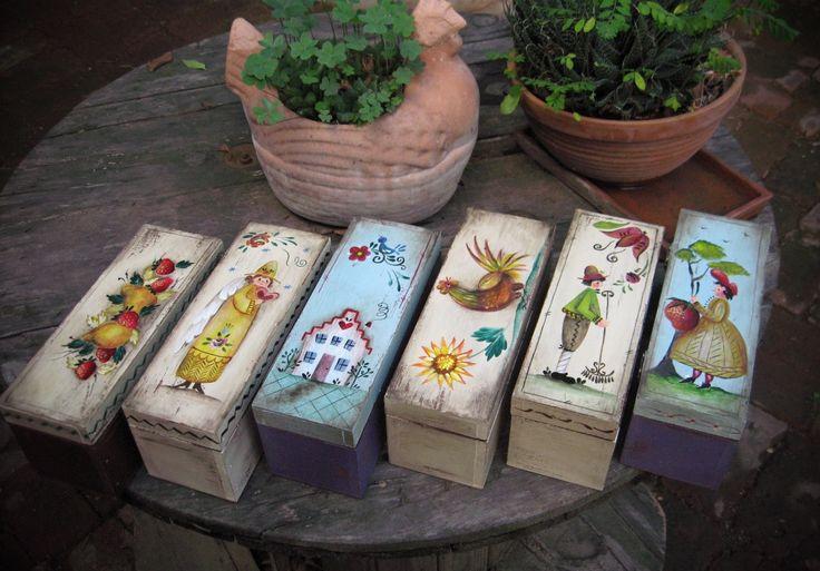Caja de Té #vintage #pintadoamano #arte #casabonitaleon #HechoenMexico #decoracion #adornos #hechoamano #Handpainted #Handcrafted #painting #decor #ornaments #art #MadeinMexico Tienda: http://bit.ly/casabonitaleon