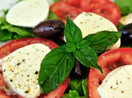 Salada Caprese - Receita CyberCook
