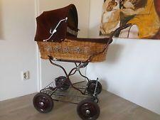 Traumhafter KNORR nostalgie Kinderwagen. Korbkinderwagen. Bordeaux rot Verdeck.