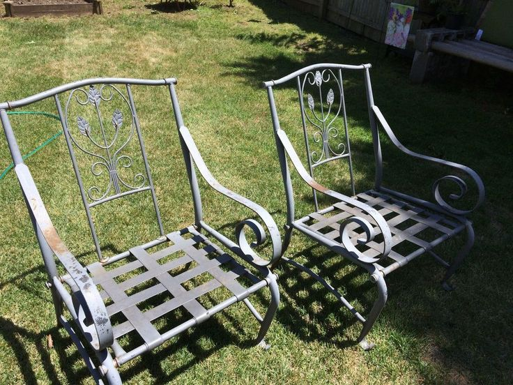 Curb Side Chair Makeover - I found 6 of these on the curb and brought them home hoping and praying I wouldn't have to put them back out on my curb. [media_id:31...