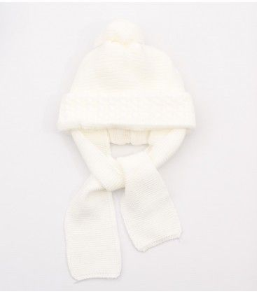 fd5e25ef63059 Gorro marfil para bebé con bufanda incorporada