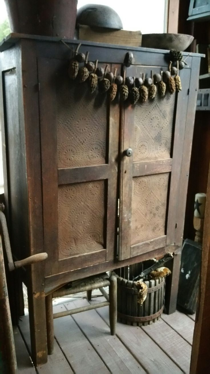 Primitive furniture - Country Primitive