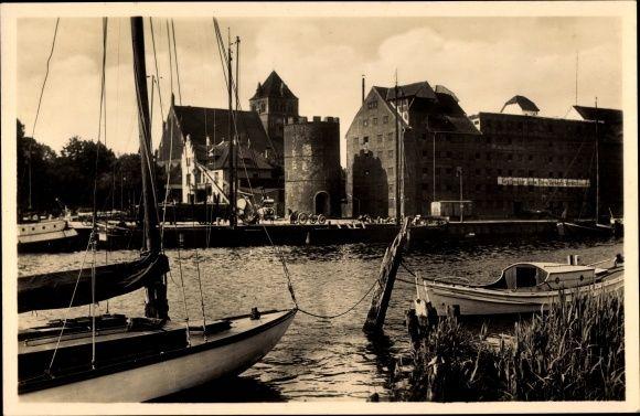 Ansichtskarte / Postkarte Greifswald in Mecklenburg Vorpommern, Hafenpartie, Ufer mit... | akpool.de
