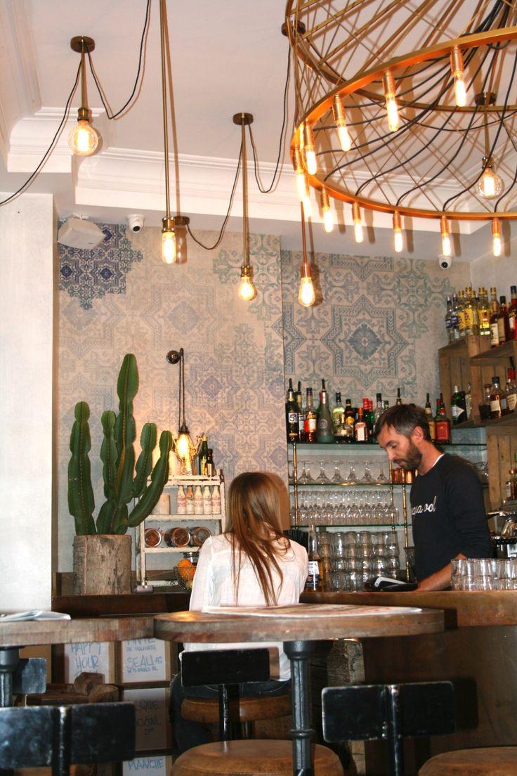Lustre pour le restaurant : 'Le Strogoff', une bonne adresse parisienne !