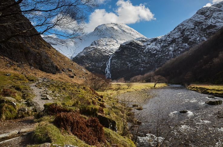 One of the best short walks in Scotland, this route heads through the dramatic and beautiful Nevis Gorge and leads to the awesome Steall Falls.