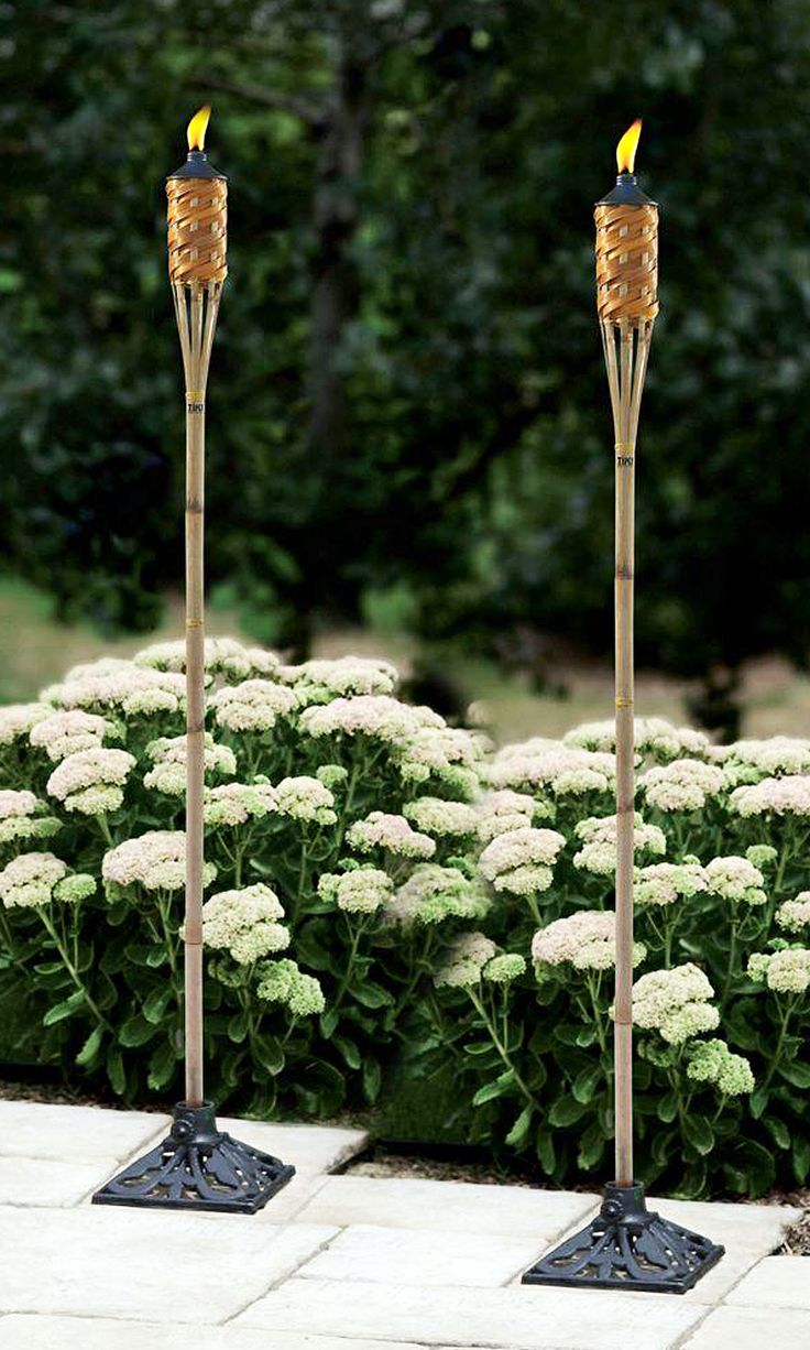 Set the party mood with tiki torches! Imagine how beautiful it would be to have dozens of these to light your evening garden party.