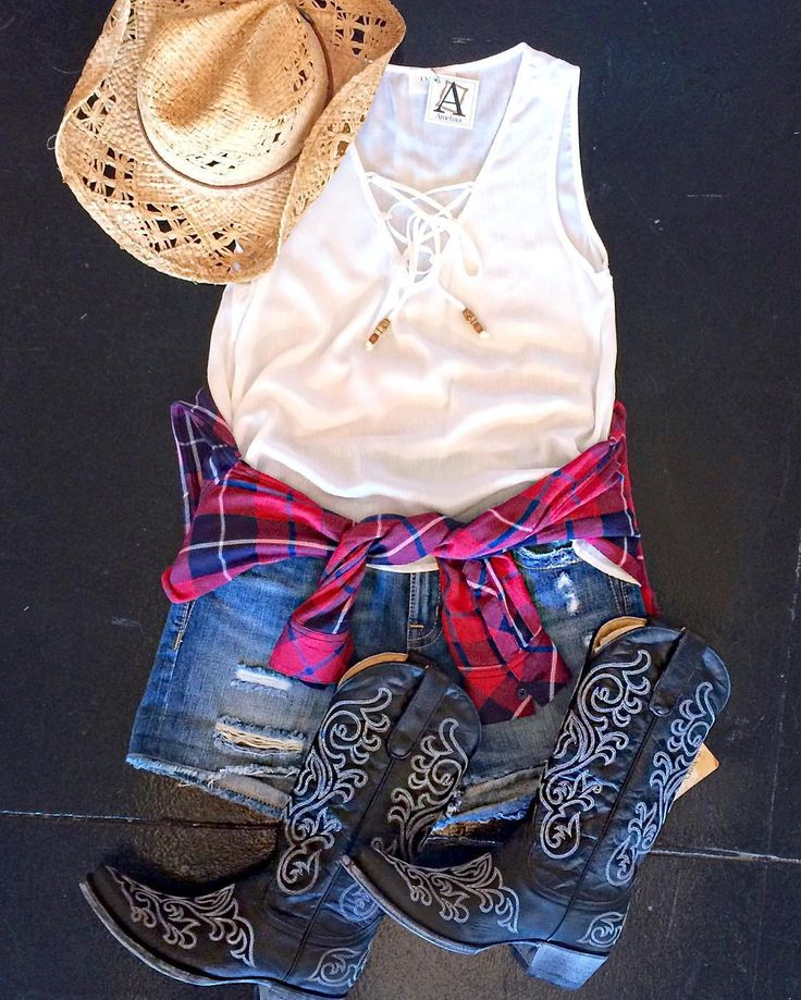 There's so many country concerts coming up this month.. #HotCountryNights start tonight #BrantleyGilbert is here this weekend & #CountryStampede is in a couple weeks! We've got your outfits covered! #shopamelias #shoplocal #ootd #fashion #flatlay #summer #country #concerts #kansascity
