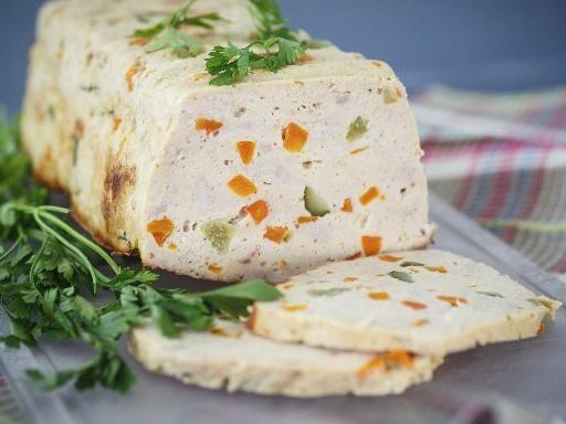 Recette Cake à la macédoine de légumes et coulis de tomate, notre recette Cake à la macédoine de légumes et coulis de tomate - aufeminin.com