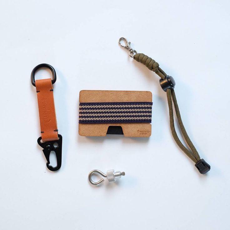 "Polubienia: 116, komentarze: 1 – Elephantwallet (@elephantwallet) na Instagramie: ""Today #everydaycarry set .  HK leather  keychain and wood wallet  All in our shop ⤴ ⤴ ⤴  We ship…"""