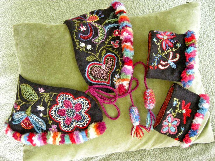 Queenie's Needlework, beautiful set!