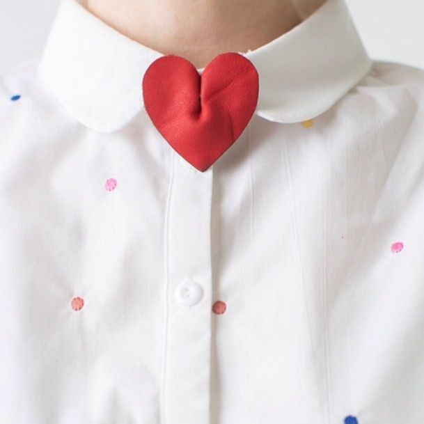 leather heart collar pin