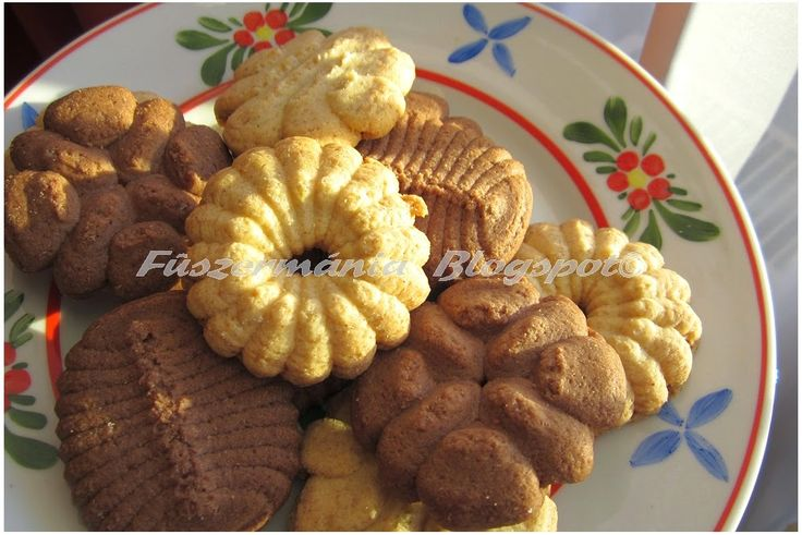 Fűszermánia: Kekszgyártás  keksznyomóval