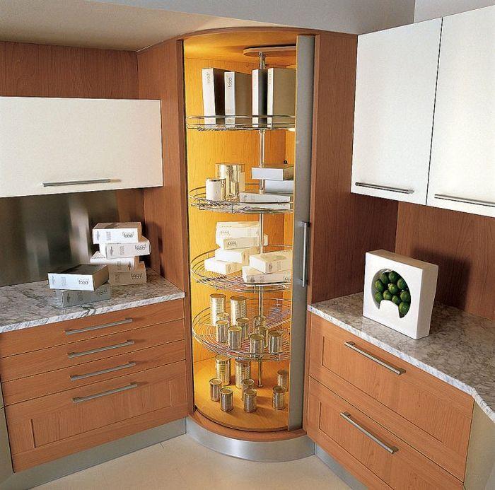 Угловой кухонный шкаф поможет по максимуму занять все пространство на кухне с пользой. Верхний угловой шкафчик на кухню ставится в целях практичности и рационального использования свободного пространства.
