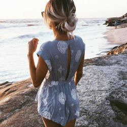 So cute love the print and back of this romper