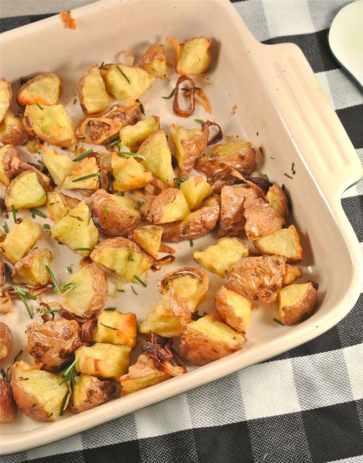 Geroosterde aardappeltjes met rozemarijn en sjalotjes - Lekker en Simpel