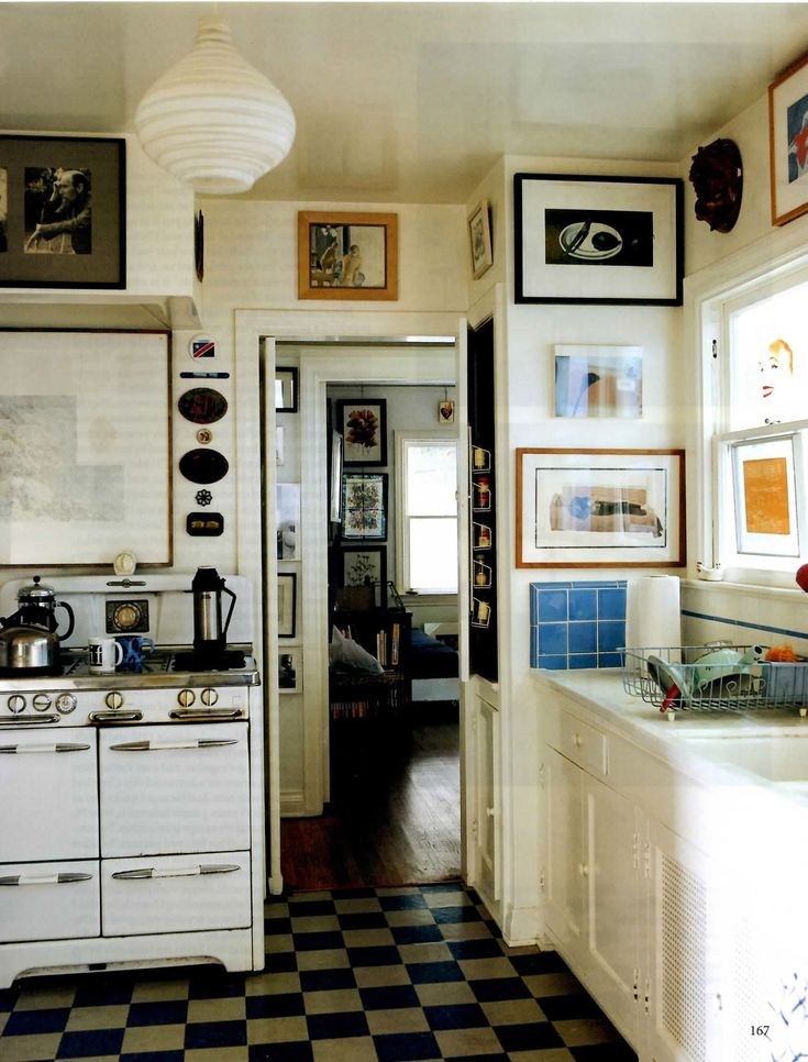 OK, I am not joking! This IS my dream kitchen! Love, love, love that old stove! <3
