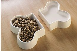 Two Piece White Ceramic Dog Dishes for Food and Water: Cool and simple food and water set.