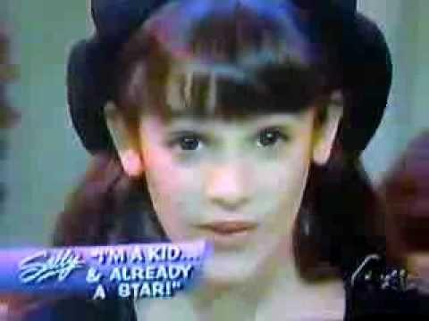 Lea Michele (Rachel Berry, Glee) age 9, singing Castle on a Cloud-Les Miserables