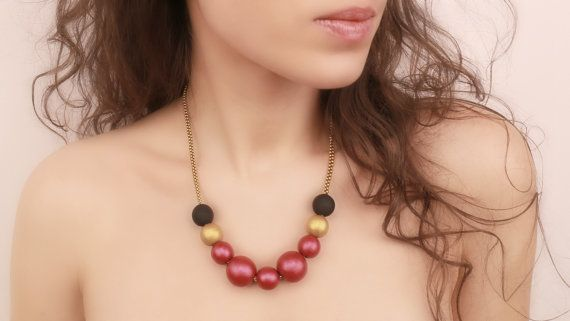 Beadwork Fuchsia Black Gold Necklace by Francysdesign on Etsy, $55.00