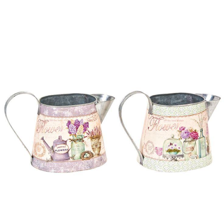 www.sconticasa.it  Set di due portavasi con forma ad annaffiatoi in metallo decorato  In due diversi colori