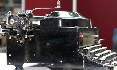 Original Vintage Typewriter Continental Silenta (German late 30's) /1700€. Email: loft.no5@gmail.com