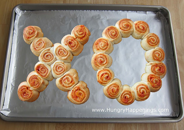 X 39 s and o 39 s pepperoni pinwheel bites cute for valentine 39 s for Valentine dinner recipes kids