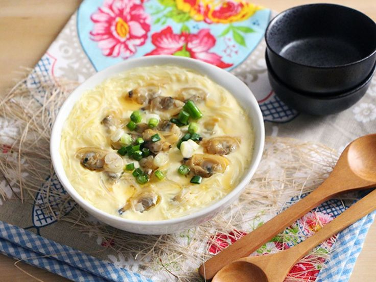 Steamed Eggs With Clams And Clear Noodles