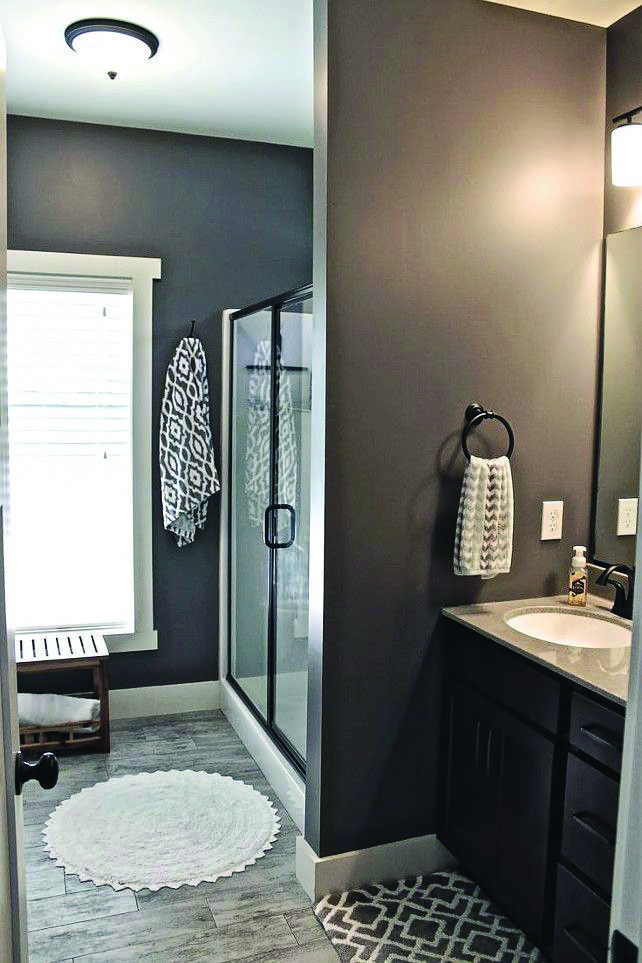 10 Paint Color Ideas For Small Bathrooms With Images Blue