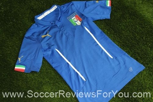 Italy 2014 Authentic Home Soccer Jersey Review http://soccerreviewsforyou.com/2014/04/16/italy-2014-authentic-home-soccer-jersey-review/