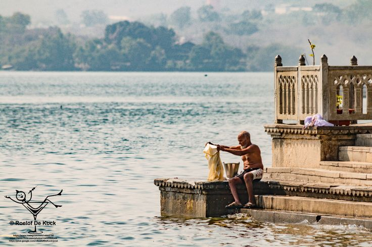 """Udaipur, India...Made famous by the James Bond movie """"Octopussy"""" #vaas8790 #incredibleindia #rajasthan #sunset #india #udaipur #travelphotography #travel"""